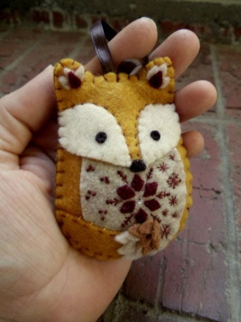 Felt Fox Ornament...this one is just so cute!