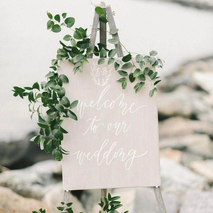 Greenery wedding decor - wedding welcome sign #weddingsign #welcome #weddingideas