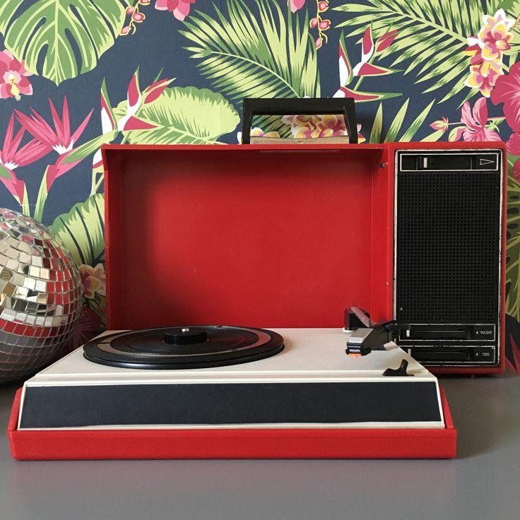 les 25 meilleures id es de la cat gorie tourne disque sur pinterest disque joueur record. Black Bedroom Furniture Sets. Home Design Ideas
