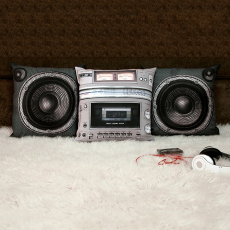 Stereo Pillows by Meninos! Awesome.: Pillowset, Boxes Pillows, Speakers Pillows, Decoration, Pillows Sets, Boombox Pillows, Products, Design, Stereo Pillows