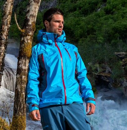 Besseggen Triple Layered Jacket- Ultra lightweight shell jacket perfect for spring excursions. Shop now online at: http://www.stormberg.com/en/men/jackets/shelljackets/besseggen-skalljakke.html#20096