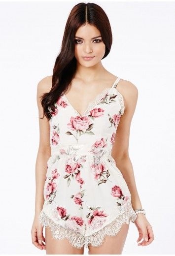 Missguided - Emelia Floral Eyelash Lace Playsuit I WANT THIS :)