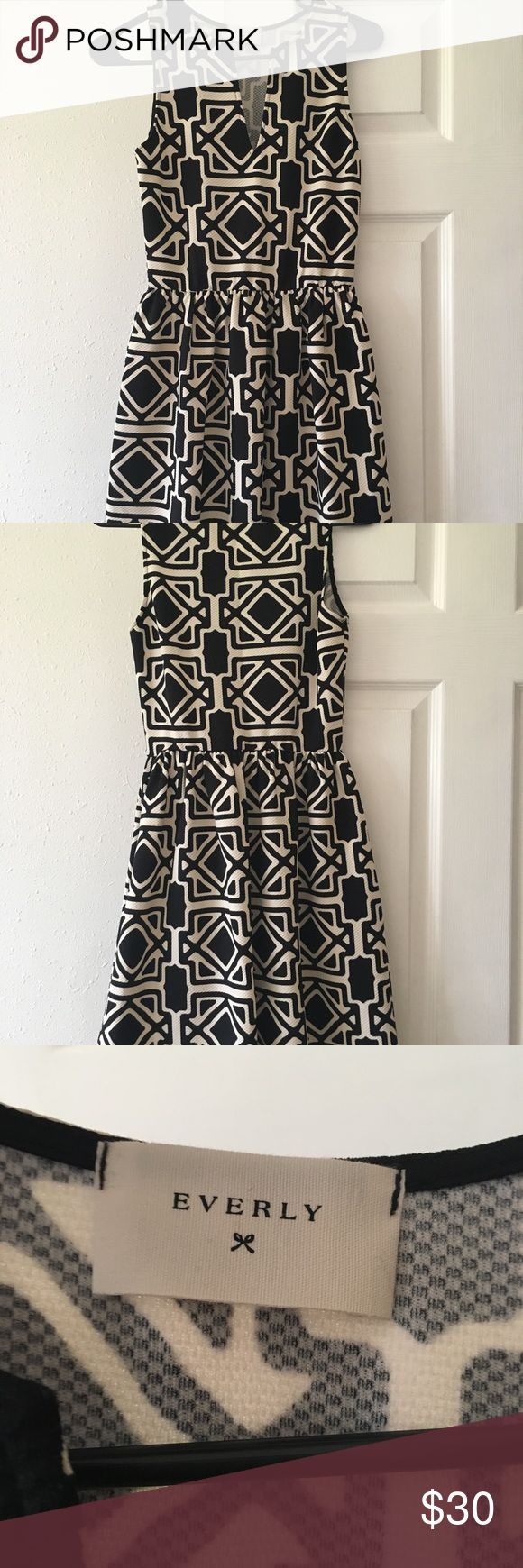 Black and White Boutique Dress I love this dress, just don't have anywhere to wear it so it needs a new home. Worn only twice! Black and white geometric design, looks great with a belt or sash around the waist. Boutique brand so no size listed, but would fit an XS or S. reasonable offers welcome! ☺️ Everly Dresses