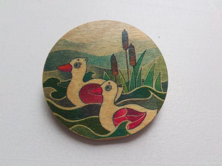 Leuke retro houten button / speld. Hij is te koop! Mail me gerust.