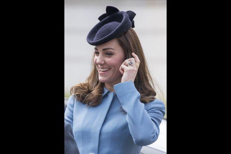 La Cour Royale Anglaise: La Duchesse de Cambridge en ces premier fonctions de Premier Lieutenant