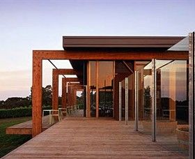 http://www.planbooktravel.com.au/businesses/vic/red-hill-south/attractions/montalto-vineyard-and-olive-grove/ATDW_Landscape__TVIC_Monalto.jpg