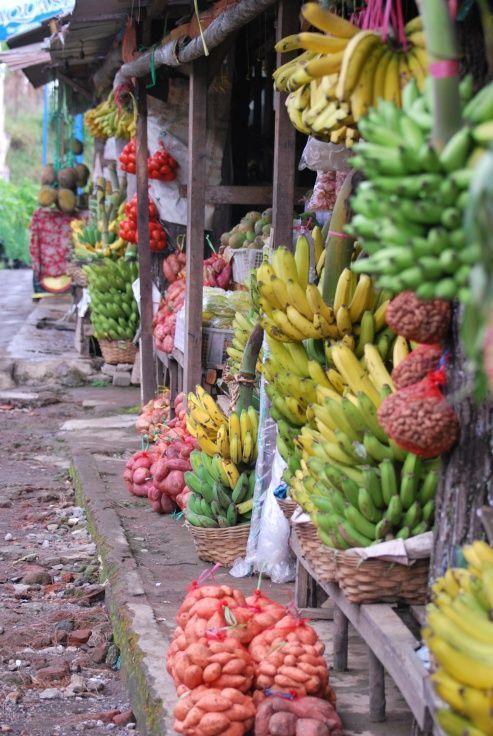Mercado de fruta . Bali, Indonesia