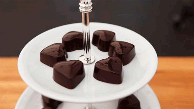 Fyldte chokoladehjerter | femina.dk