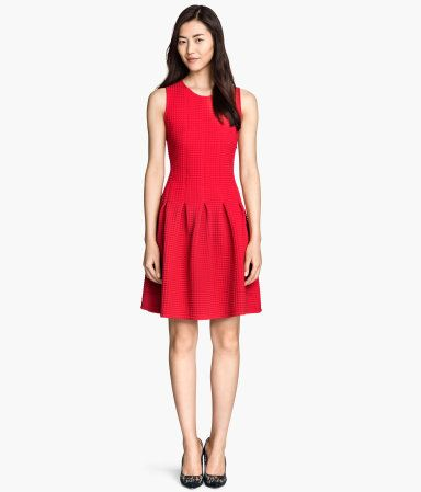 H&M Pleated Dress. Sleeveless in thick jacquard-knit jersey.