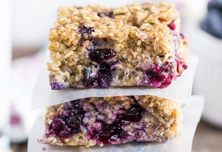Comme déjeuner ou comme collation, ces petites barres santé aux bleuets et au quinoa sont absolument parfaites!