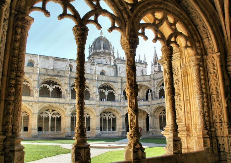 Mosteiro dos Jeronimos. Lisbon