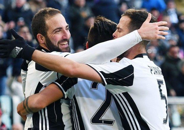 Juve riscatto, Lazio battuta 2-0