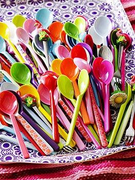 small melamine spoons