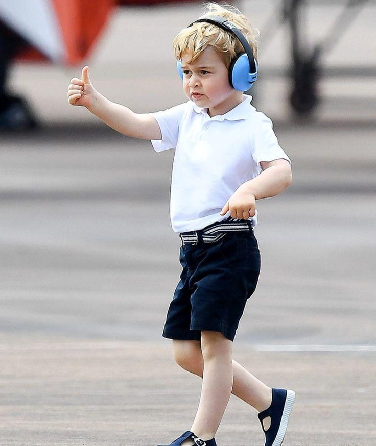 Prinz George ist gerade vier geworden - Wie schwer ist es, vor den Augen der Welt aufzuwachsen? - Royals - Bild.de