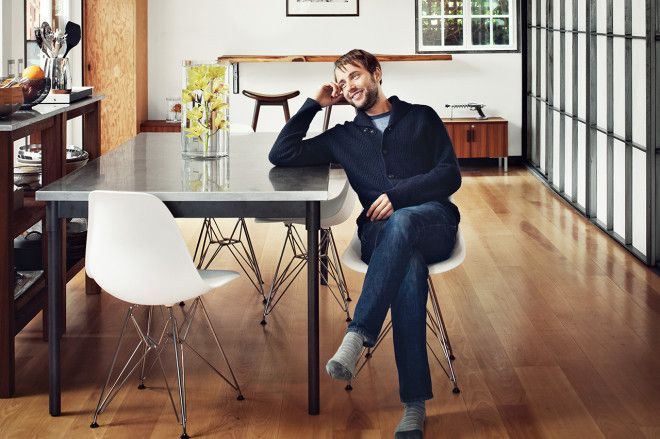 VINCENT KARTHEISER OF 'MAD MEN' HAS AN AWESOME HOLLYWOOD ABODE - Via Airows