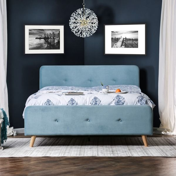 Furniture of America Celene Mid-century Modern Tufted Flannelette Queen-size Bed