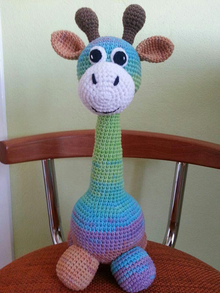 Háčkovaná žirafka (cca 30 cm vysoká) Vhodná pre najmenšie detičky :-)