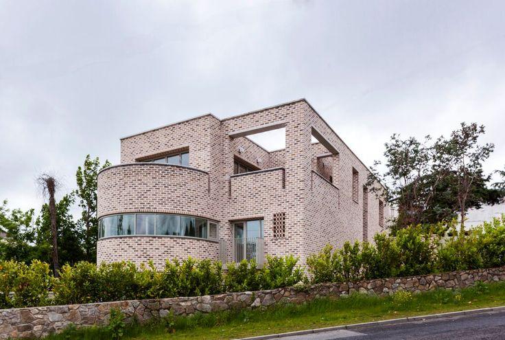 Daley Avenue, Dublin Best International Project