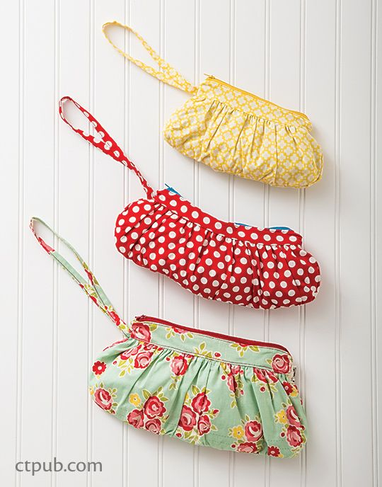 With pretty gathers, these multi-size zippered pouches make a simple gift set and are a lot of fun to sew!