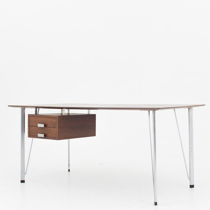 Desk in wengé