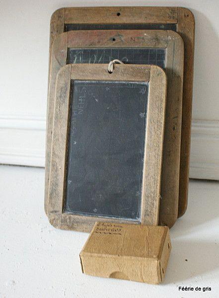 on transportait dans nos cartables les lourdes ardoises en bois des exercices de calcul mental.