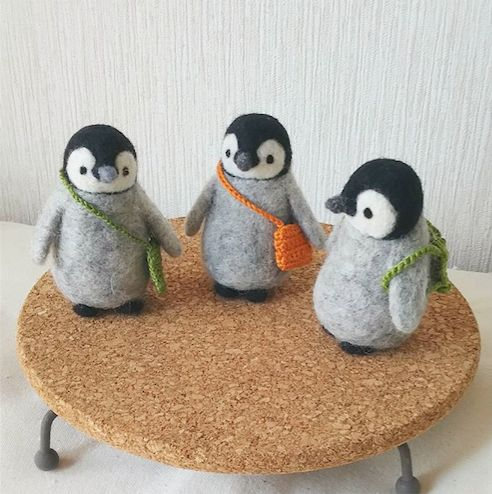 Cute Needle felted project wool animals penguins (Via @chikuchikuya)