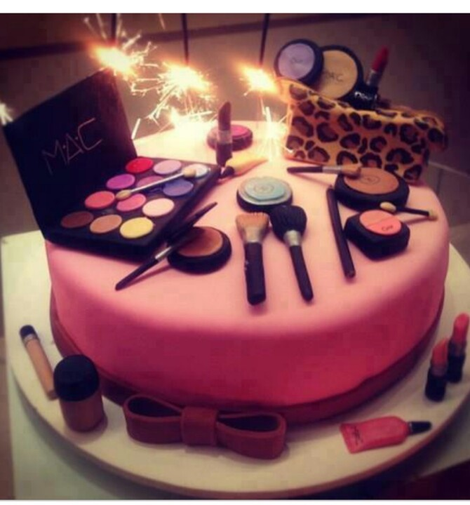 Makeup birthday cakes, Birthday cakes and Makeup on Pinterest