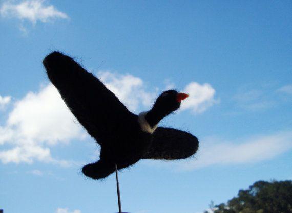 Needle felted Condor por KarenPazFieltro en Etsy, $15.00