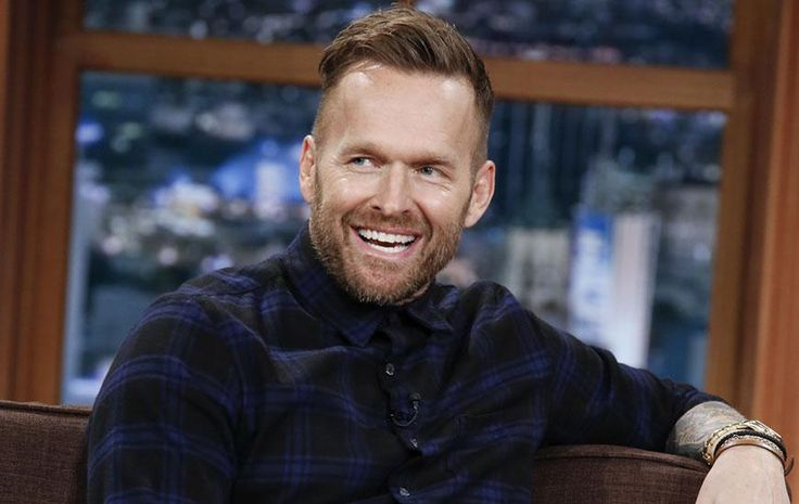 Bob Harper's 10-Minute Morning Workout The two moves that burn fat and sculpt like crazy. Plus: His expert tips on how to staying motivated to get #UpNOut.