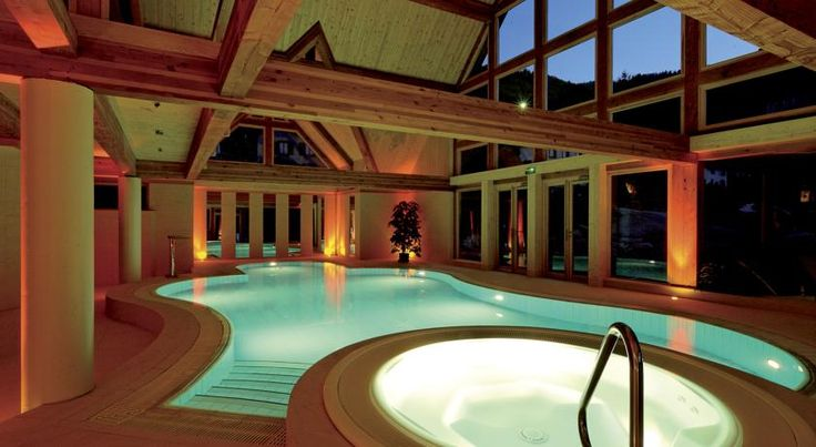Le Clos Des Sources Hôtel & Spa Thannenkirch Le Clos Des Sources Hôtel & Spa is located in the Ballons des Vosges Regional Park in the Alsace region. Guests have free access to the spa, which includes a multi-jet swimming pool, a hot tub, a sauna and a hammam.