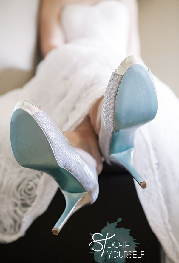 DIY ~ easily paint the bottom of your wedding shoes to be your something blue!! Click through to find the how-to! #diywedding #marthastewartcrafts