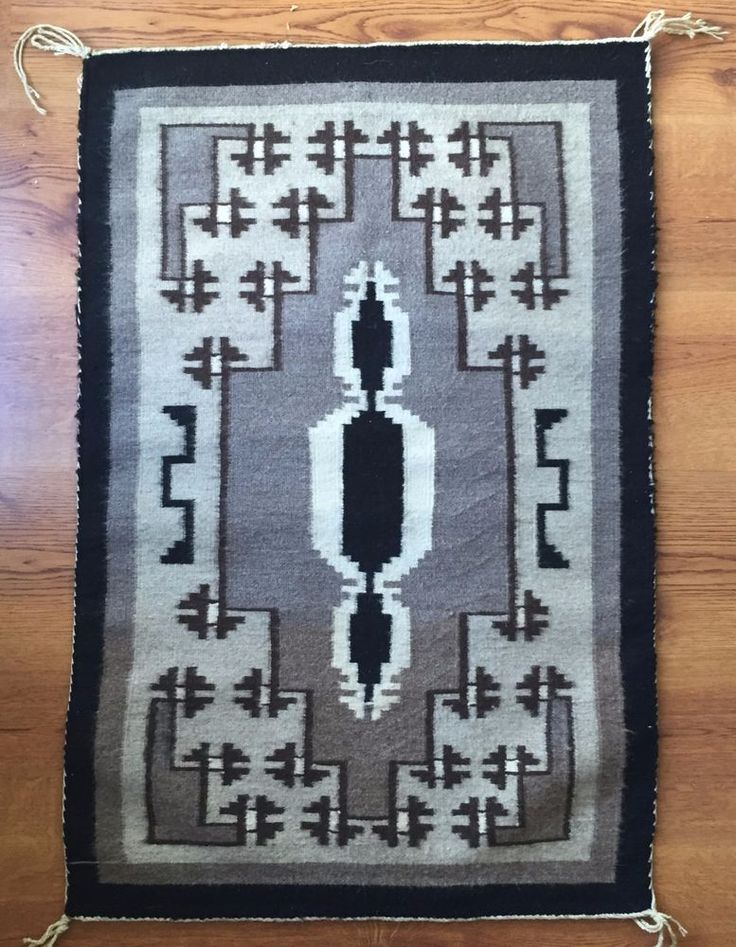 1980s Navajo Rug Navaho Weaving Textile Two Grey Hills 37 3/4