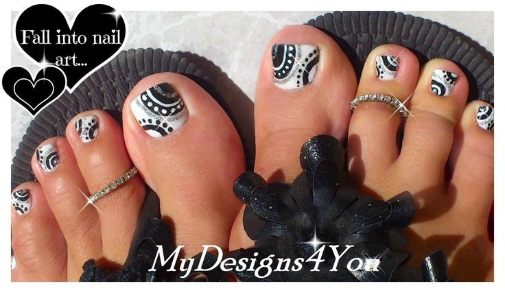 www.customweddingprintables.com #customweddingprintables...BLACK AND WHITE TOENAIL DESIGN TUTORIAL