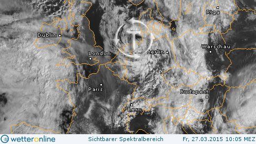 Tief kringelt sich ein  Wie im Satellitenbild gut zu erkennen ist, dreht ein Tief über Norddeutschland und der Nordsee seine Kreise. Der Wind frischt zwar im Tagesverlauf von Nordwesten her auf, besonders wenn Graupelschauer durchziehen. Sturmböen sind aber nach jetzigem Stand nur vereinzelt zu erwarten.