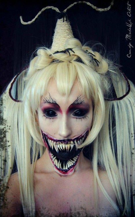 Maquillaje de demonio en una chica