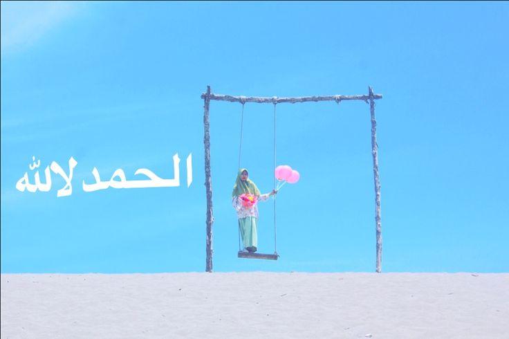 #photoshoot #photograph #jogja #ballons #swing #woman #graduate #sky #bluesky الحمدلالله