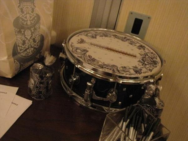 perfect card box made out of a snare drum bedazzle the head and make a slot for guests to put. Black Bedroom Furniture Sets. Home Design Ideas