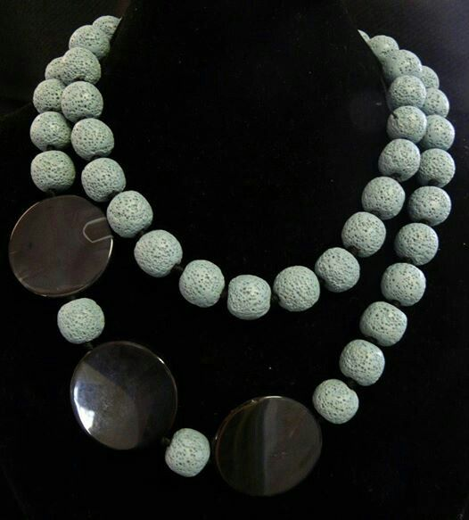 Lawa Stone & black Agate disk necklace
