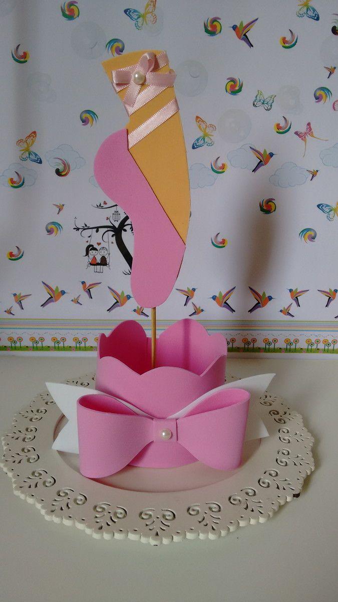 Centro de mesa feito em EVA, no tema bailarina. Fazemos outros temas e outras cores.