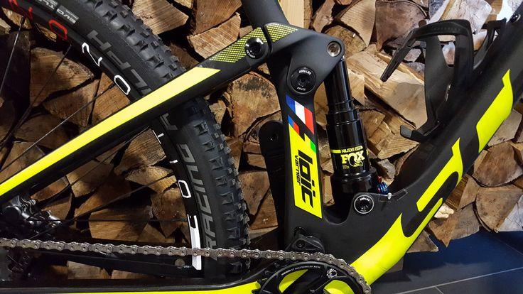 Partage d'un bon plan pour différencier son vélo des autres : les stickers SpeedyDecal personnalisés à son nom, la touche de finition ;)