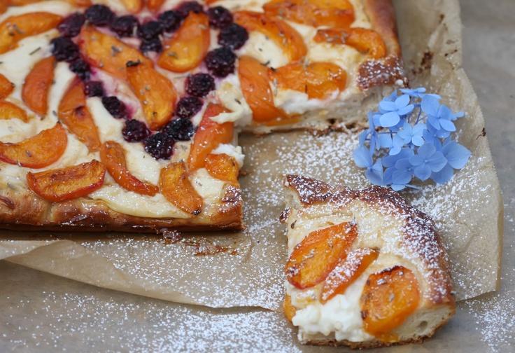Apricot-lavender-vanilla pudding cake <3