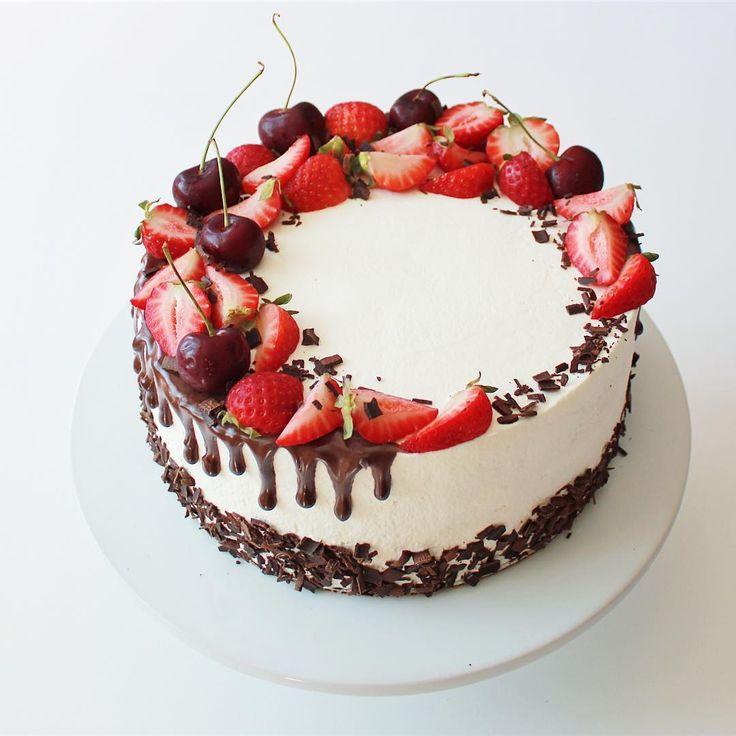 #blackforest #cake #birthdaycake