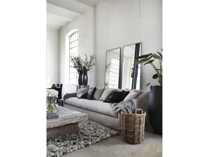 Oltre 25 fantastiche idee su parete dietro il divano su pinterest mensole soggiorno sala da - Decorare parete dietro divano ...