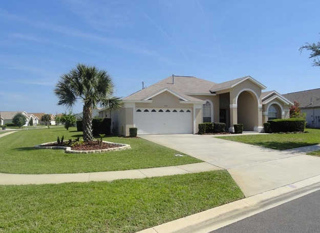 http://www.hotelsvshomes.com/holiday-rental-in-Clermont-pid=HVH1264288  http://www.justvillas.biz/search.php?controller=Listings=view=29