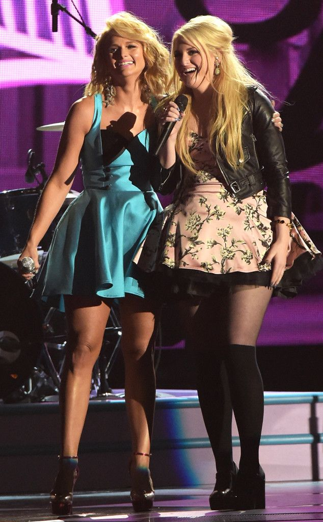 """Miranda Lambert and Meghan Trainor Team Up for Fierce Performance of """"All About That Bass"""" at 2014 CMA Awards: Watch! Miranda Lambert, Meghan Trainor, CMA Awards"""
