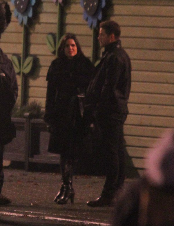 #evilcharming on the #OnceUponATime set last Friday #OUAT #boots