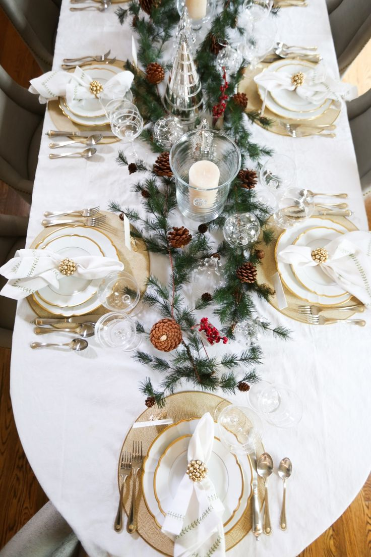 Style your Table for Christmas with Fashionable Hostess + StyleBluePrint