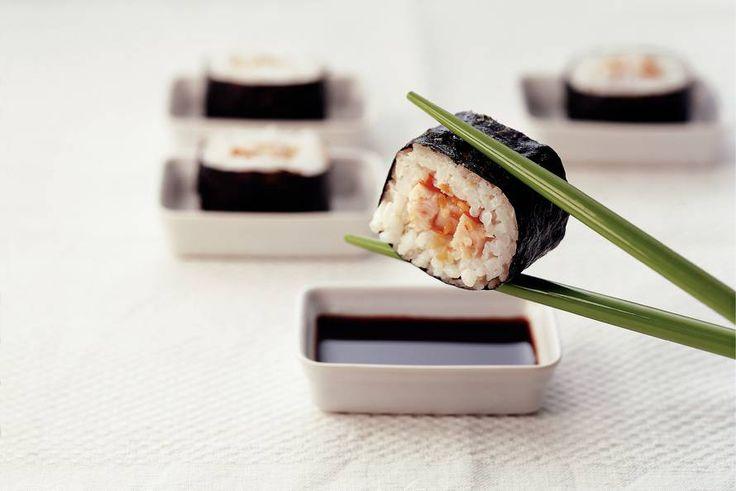 Kijk wat een lekker recept ik heb gevonden op Allerhande! Sushi met gerookte kip