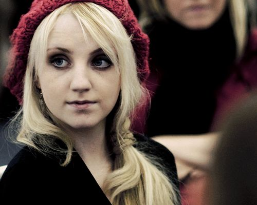 Evanna Patricia Lynch..love the look and slouchy beanie :)