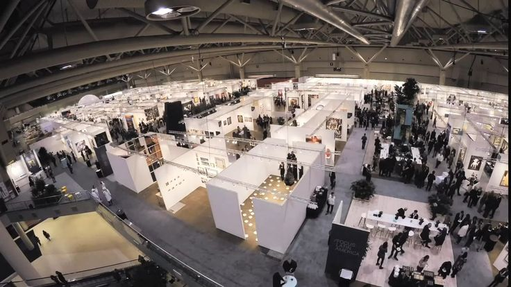 From a blank space to the VIP opening: the installation of Art Toronto 2015 at the Metro Toronto Convention Center, round the clock Oct 16 - 19. Design: James Khamsi,…